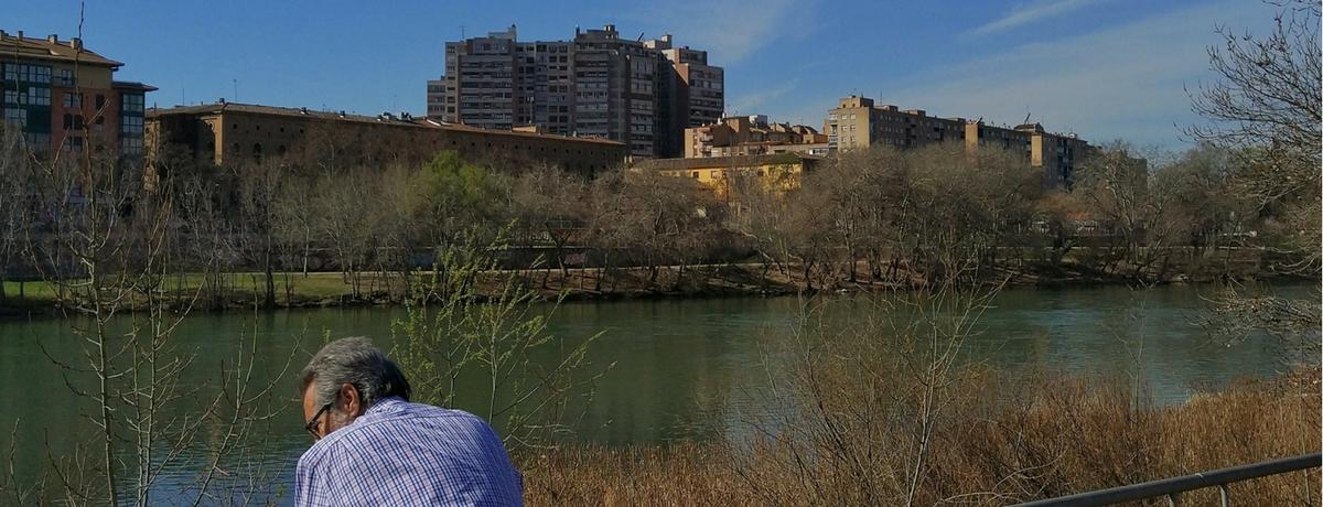 Apartamento de alquiler en Zaragoza, vista del edificio desde el río Ebro