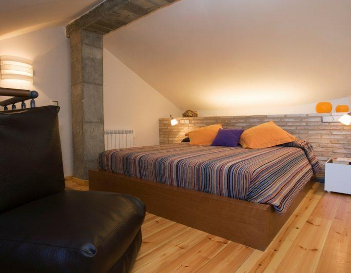 Dormitorio suite de hotel con encanto rural Posada de Uncastillo - Rusticae