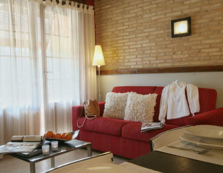 Salón apartamento con encanto rural Arba, en Uncastillo