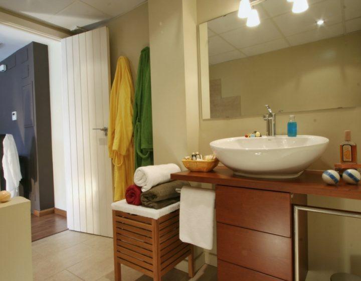 Baños apartamento rural Rusticae. Turismo con encanto en Uncastillo.