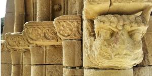 Detalle iglesia románica templaria de San Lorenzo en Uncastillo - Cinco Villas