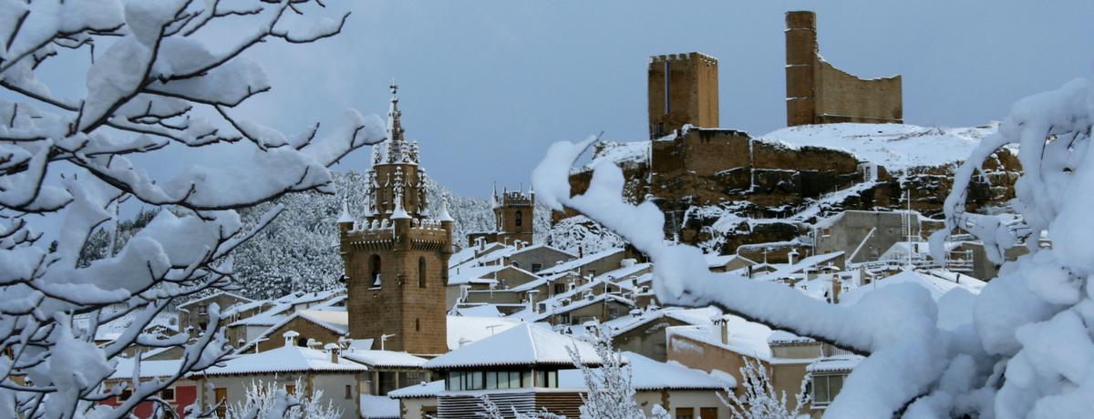 Uncastillo en invierno nevado