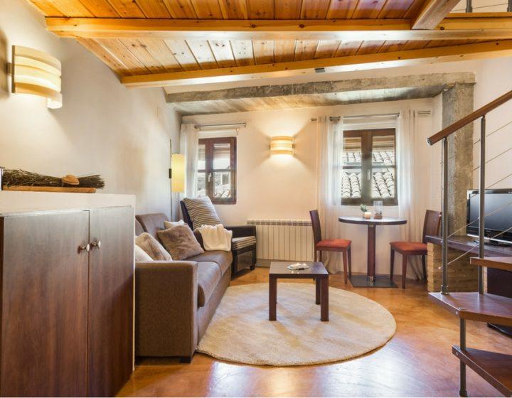 Salón suite del hotel rural con encanto Posada de Uncastillo - Rusticae
