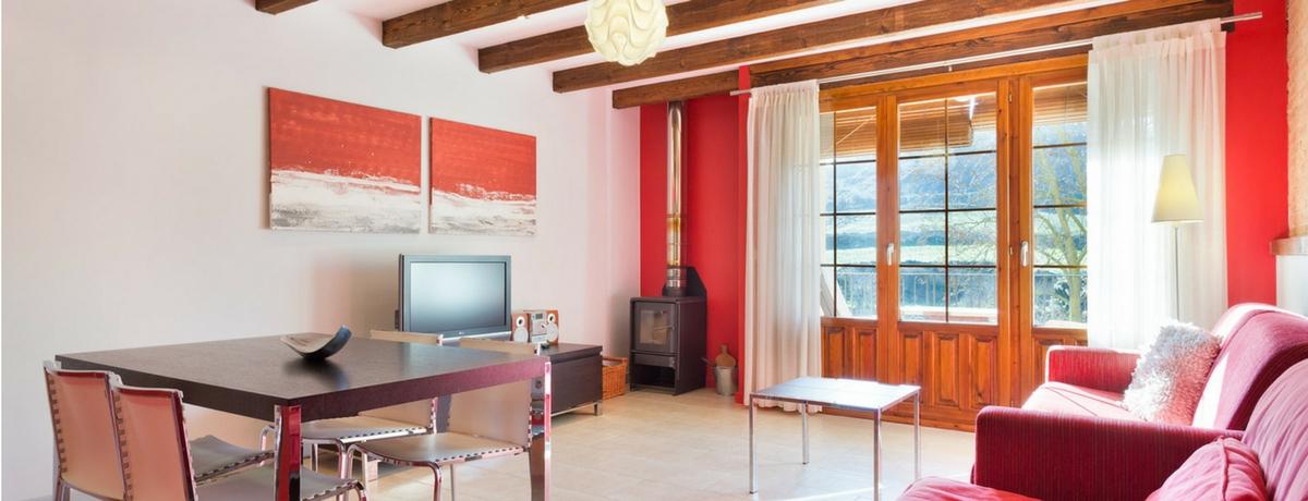 Salón comedor Apartamentos rurales con encanto Uncastillo. En las Cinco Villas, cerca de Sos del Rey Católico con la garantía Rusticae.