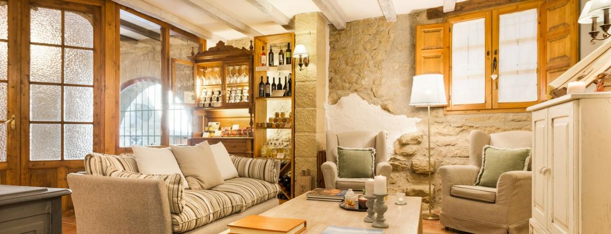 Salón del hotel rural Posada de Uncastillo - Cinco Villas