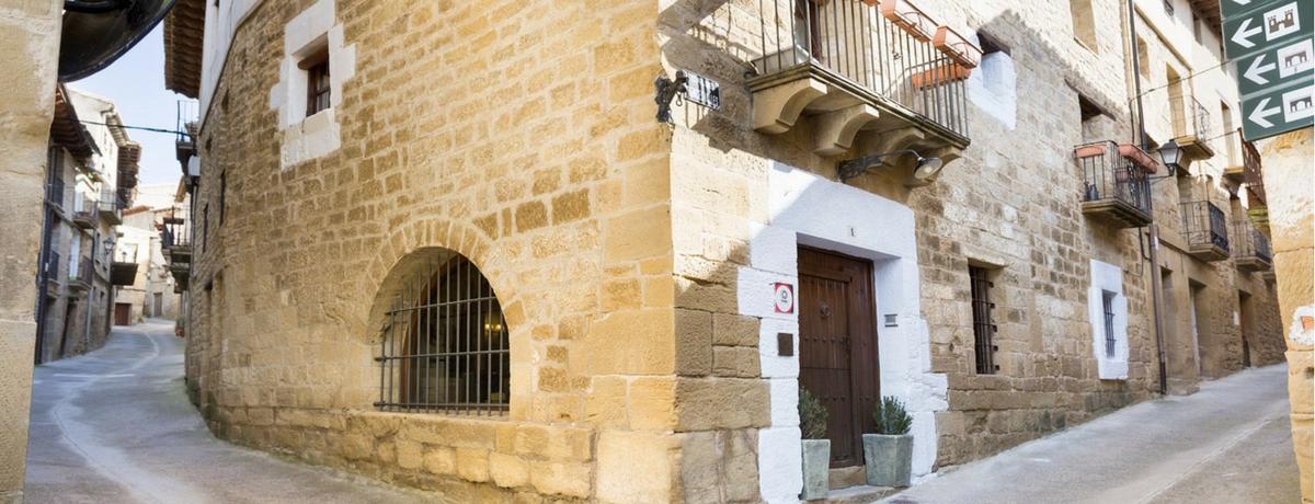 Fachada Posada de Uncastillo hotel con encanto de Aragón
