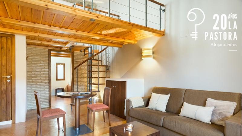 Habitación Suite de Posada de Uncastilllo, hotel Rusticae cerca de Sos del Rey Católico.