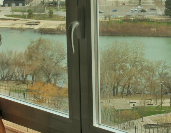 El río Ebro desde el Mirador de Zaragoza apartamento urbano de alquiler Rusticae