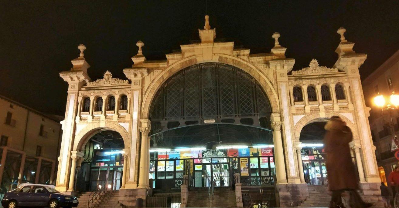 Compras y ocio nocturno a 10 minutos de nuestros alojamientos turísticos en Zaragoza