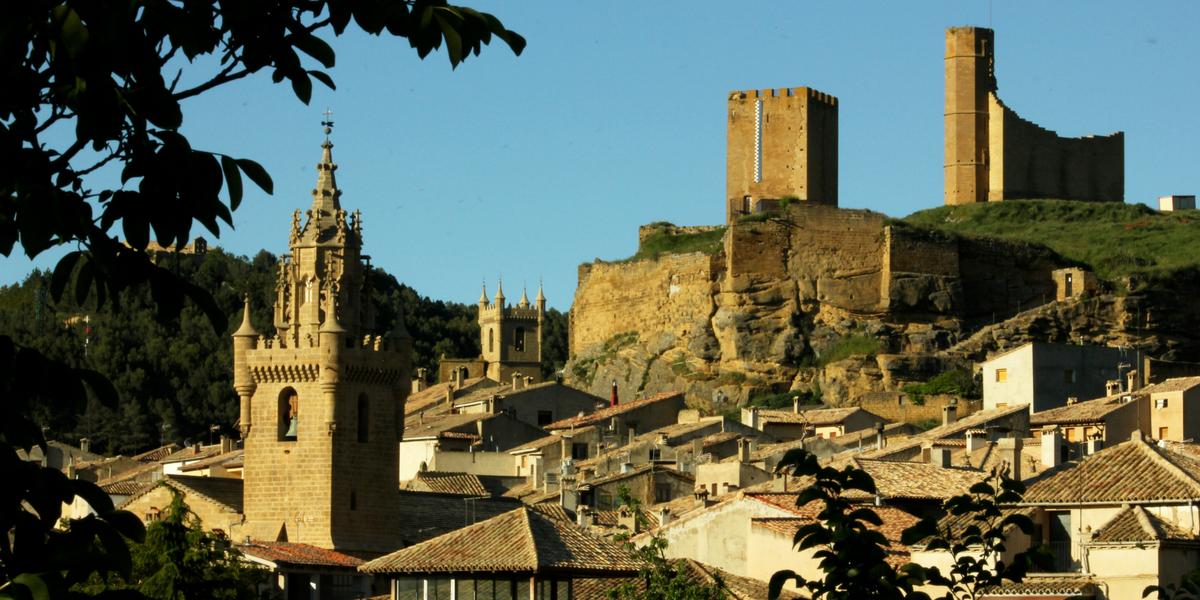 Vista general del conjunto medieval de Uncastillo - Cinco Villas Prepirineo